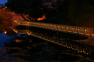 亀山公園の橋梁照明