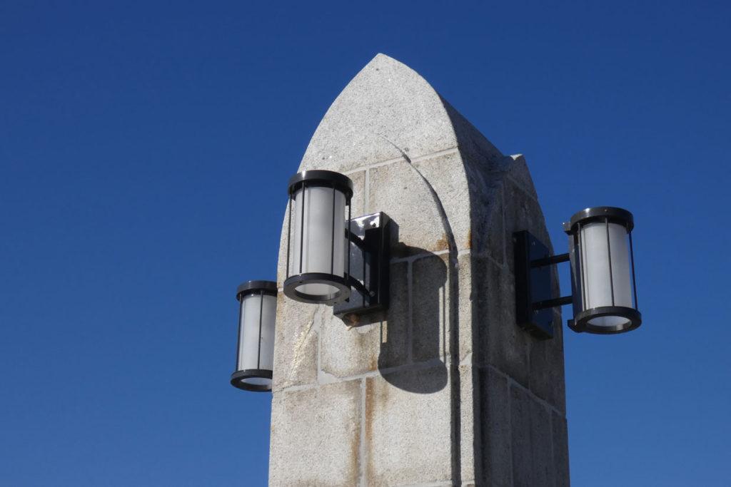 長野県茅野市上川橋 親柱灯