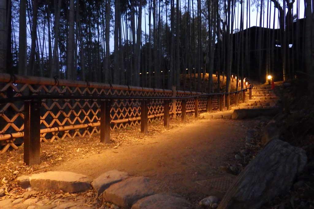 奈良市 ゆうがやま園地 手すり照明
