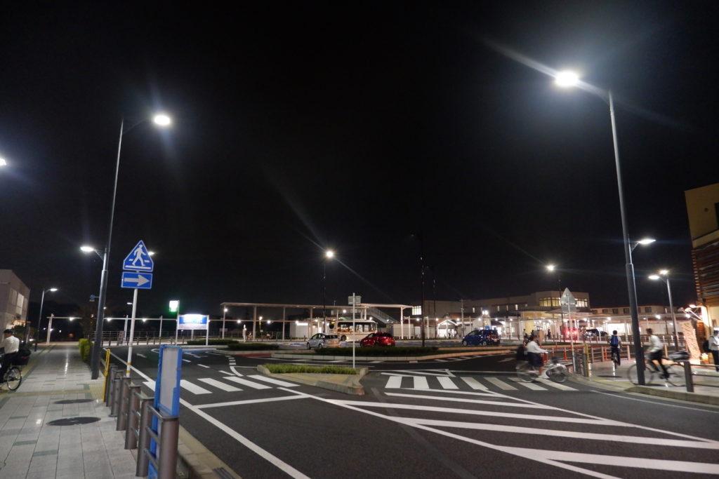 可児駅前の道路照明灯