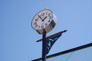刈谷市伊勢山公園の時計塔アップ