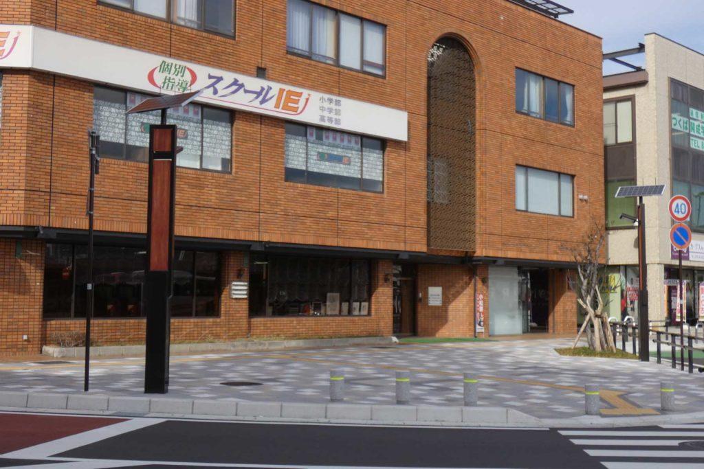 長野県駒ケ根駅前のソーラー灯