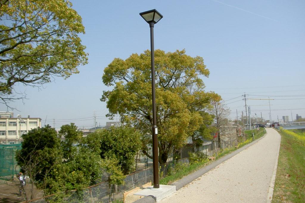 大府市石ケ瀬川緑道 歩道灯