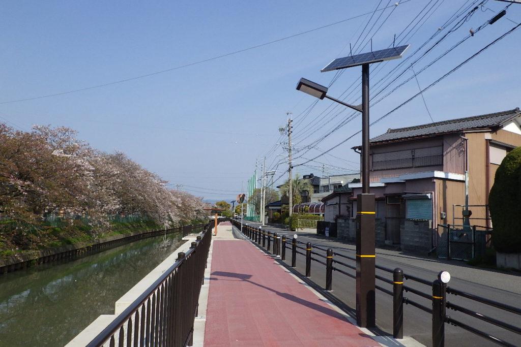 愛知県農林水産事務所 水環境整備事業 ソーラー照明灯