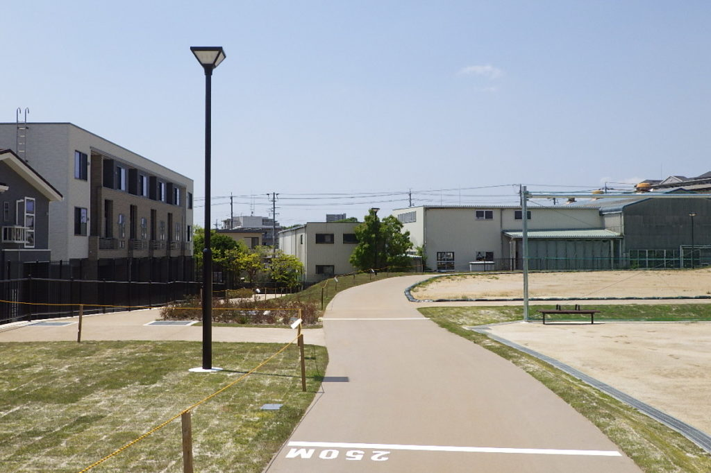 愛知県豊田市 柿本公園 公園灯